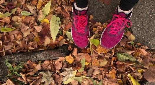 Joggen im Herbst, Laub, Sport